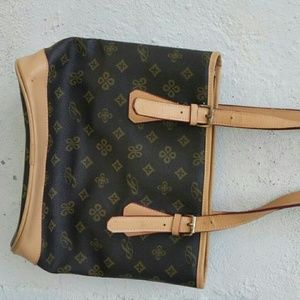 Handbags - Women's handbag.